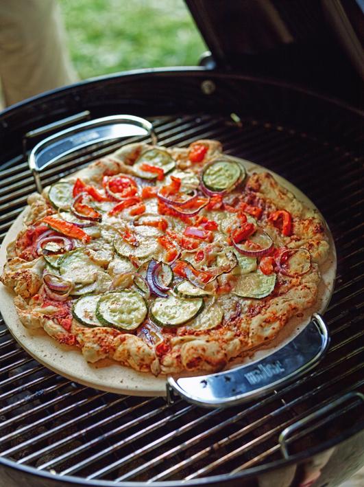 gourmet bbq system pizzastein mit gestell zubeh r grillshop. Black Bedroom Furniture Sets. Home Design Ideas